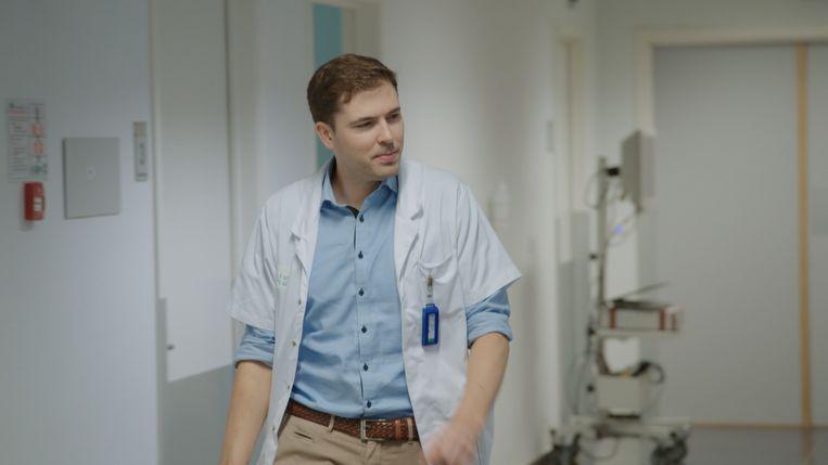 Prof. dr. Karel Decaestecker Stills uit topdokters - aflevering 3 2019