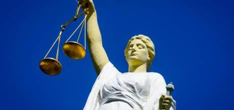Justitie wil vier ton van kopstukken Apeldoornse bende: vader en zoon verdacht van mensenhandel