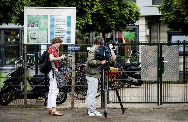 De pers zou verplicht moeten linken naar een reactie van burgers die voorkomen in een publicatie, stelt voormalig journalist Jan van Vegchel. Beeld ANP