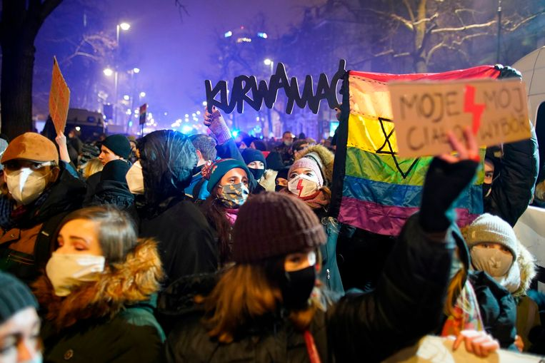 Een demonstratie voor zelfbeschikkingsrecht in Warschau. Beeld AFP