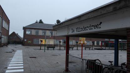 """""""Mogelijk asbest op speelplaats"""": school in Moerbeke-Waas blijft voorlopig dicht"""