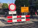 Nog een verkeersmaatregel: scholen kunnen - in overleg met de gemeente - hun straat afsluiten voor auto's en fietsers. Dat gebeurt al bij acht scholen in de gemeente.