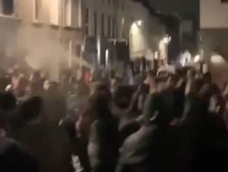 Studentenfeestje in Brussel loopt uit de hand: studenten gooien jeneverflessen naar security, politie zet traangas in