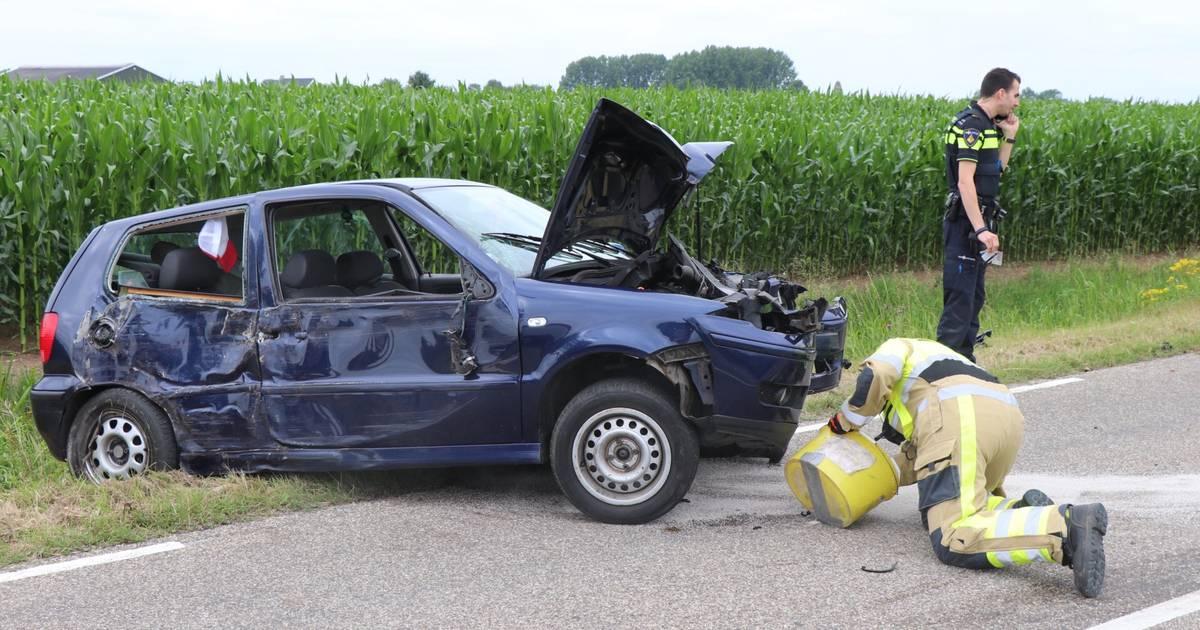 Twee autos betrokken bij een ongeval in Brakel, een bestuurder naar het ziekenhuis.