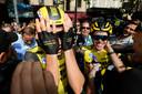 Wout van Aert kan nauwelijks geloven dat hij bij zijn Tourdebuut een etappe wint.