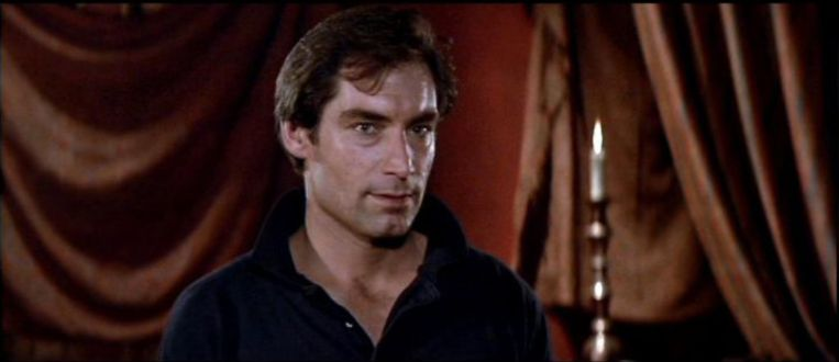 Timothy Dalton in The Living Daylights. Beeld