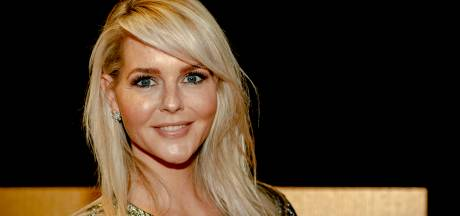 Chantal Janzen stuurt Gwyneth Paltrow 'eigen' vaginakaars: 'This smells like OUR vagina'
