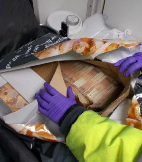 Nederlandse 'witwaskoerier' betrapt met bijna 6 ton aan Iers misdaadgeld