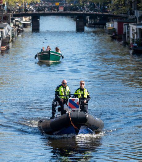 Politie beëindigt meerdere feesten tijdens Koningsnacht