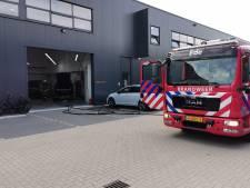 Brand bij autoschadebedrijf in Ede, niemand raakt gewond