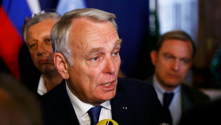 De Franse minister van Buitenlandse Zaken zegt dat er nog niets geweten is over de oorzaak van de crash.