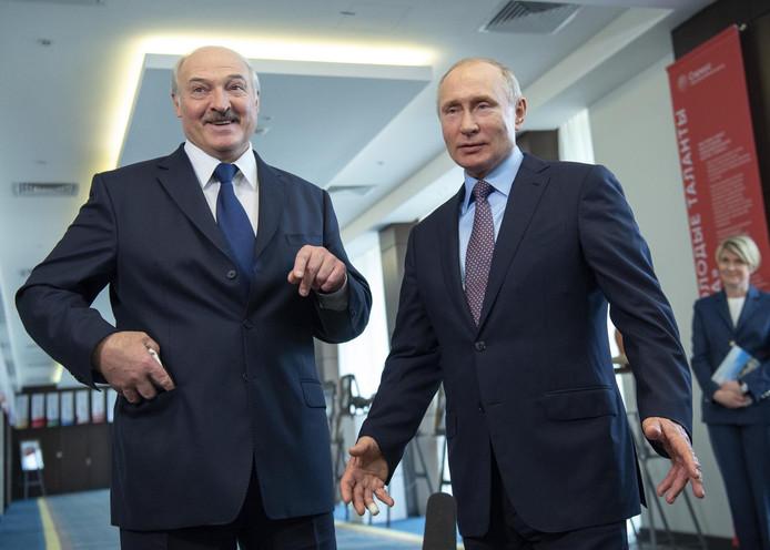 Le président biélorusse Alexandre Loukachenko et Vladimir Poutine (archives)