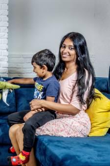 Reshmi en Kiran: 'De auto kost ons 1000 euro per maand'