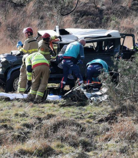 Nieuws gemist? Auto over de kop in Hoog Soeren en Lenny (39) ging kapot in tbs-kliniek Balkbrug. Dit en meer in jouw overzicht