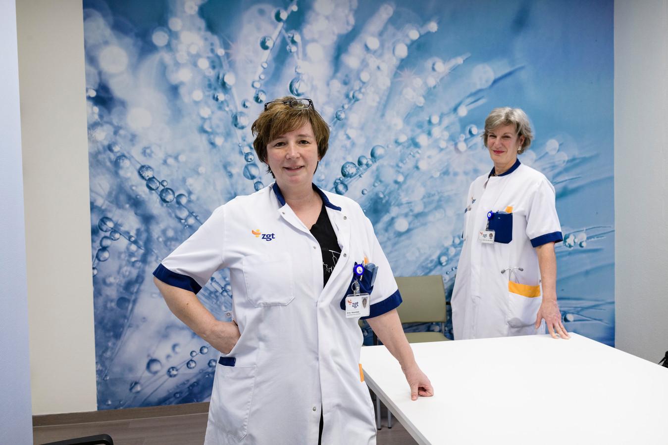 Longspecialisten Jeske Staal en Erna Haverkate (l)