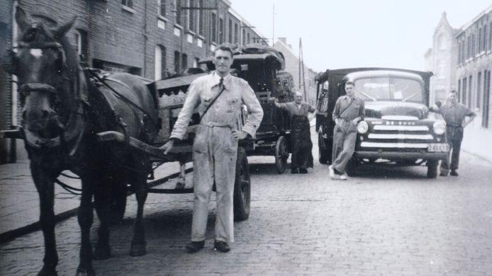 Met paard en kar trokken de De Troetsels door de straten van de regio om hun dranken aan de man te brengen.