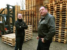Tweede leven voor gebruikte, kapotte pallets in Katwijk