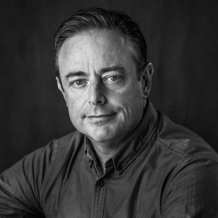 Bart De Wever geeft een foto en een ontvangst in het stadhuis met Antwerpse handjes