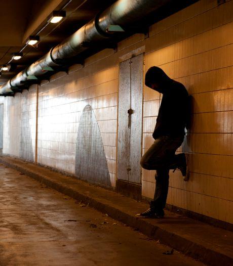 Jongeren uit coronaverveling de criminaliteit in: 'Thuisbezorgers brengen ook pillen rond'