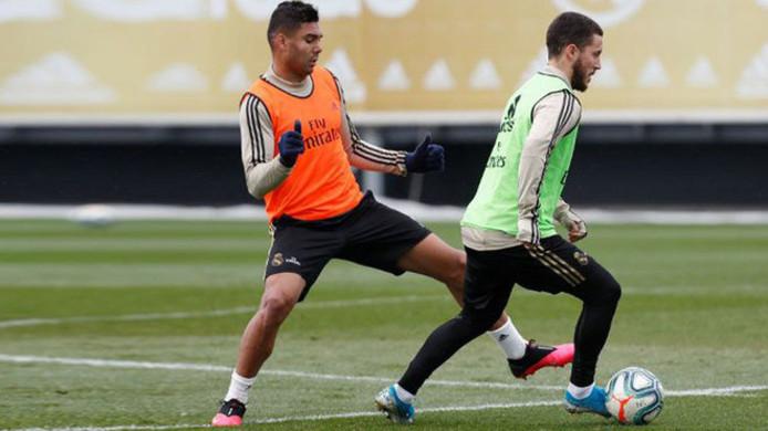 Hazard trainde voor de eerste keer mee met de groep sinds z'n blessure.