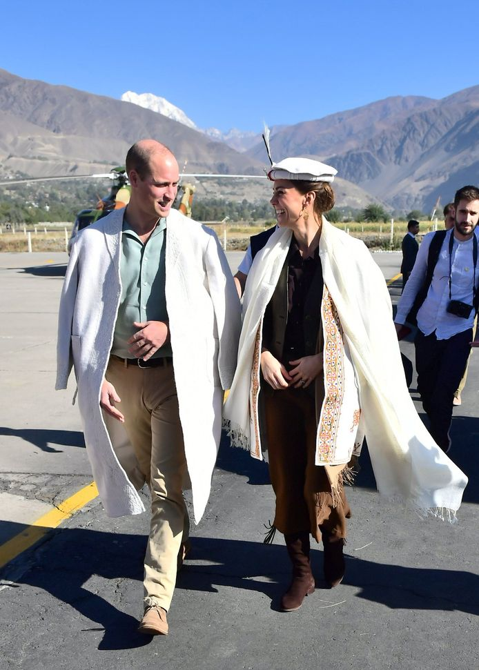 16/10/2019. Pakistan. The Duke and Duchess of Cambridge during a visit to a village in the Valley of Chitral in Northern Pakistan on day three of their Royal Tour to Pakistan. ( i-Images / Polaris)  ! only BELGIUM ! *** local caption *** 06662720