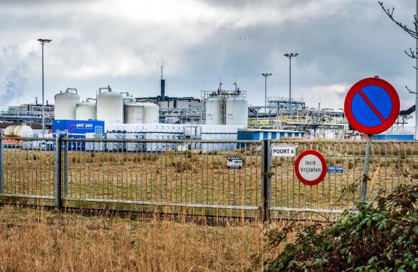 **Provincie Noord-Holland maakt overtredingen chemiebedrijven direct openbaar**