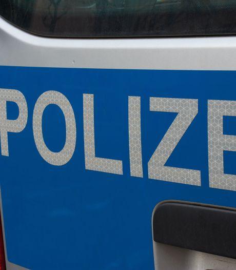 Nederlandse man duwt Duitse fietsster bijna onder auto in Kleef