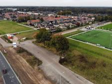 De weg naar AVC Heracles wordt veiliger, en het sportpark groter