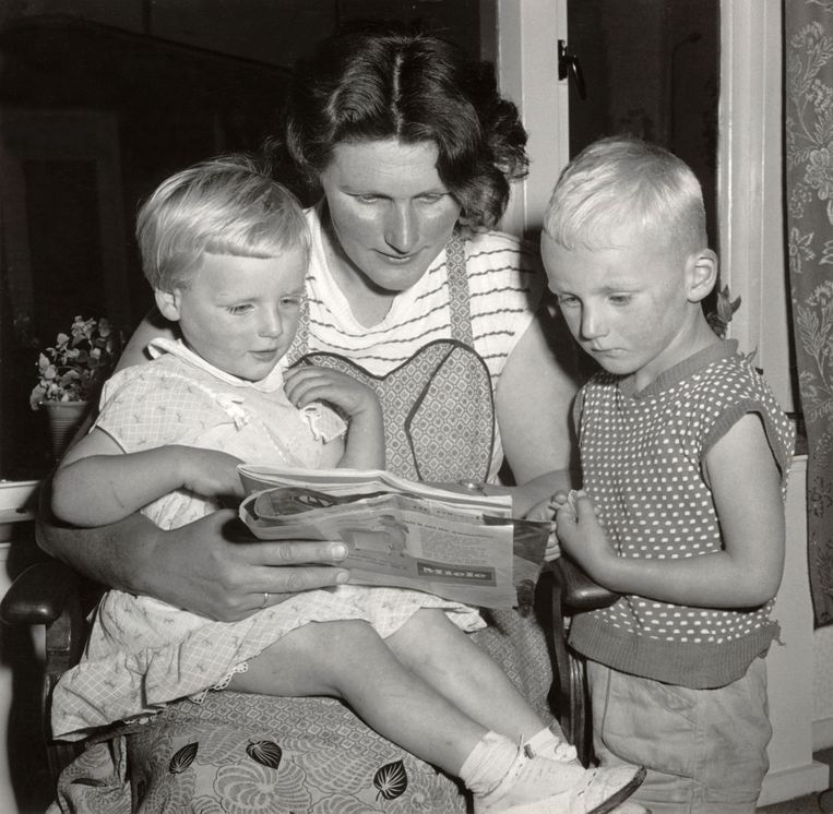 Foto bij een reportage in Libelle nr. 33 van 1959, 'Zo leeft een huisvrouw in Roggebotsluis' (Flevoland). Beeld HH