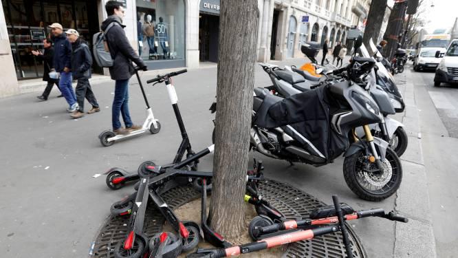 Dodelijk vluchtmisdrijf met elektrische step in Parijs: voetgangster (31) overlijdt, bestuurster en passagiere rijden verder
