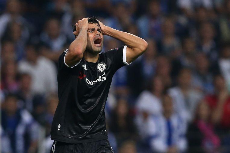 ... Terwijl Chelsea-spits Diego Costa baalt. Beeld ap