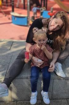 Rebecca uit Oss woont in Israël en slaapt met haar dochter (2) in een schuilkelder: 'In de verte horen we de bommen'