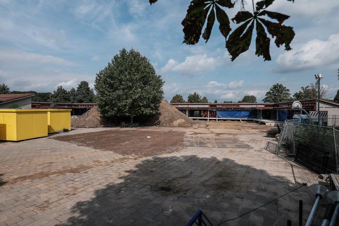 Ver- en nieuwbouw van de basisscholen aan de Platanenlaan. Foto : Jan Ruland van den Brink
