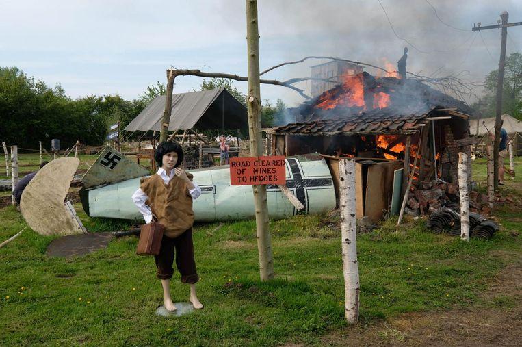Zie een oorlogsvliegtuig crashen...