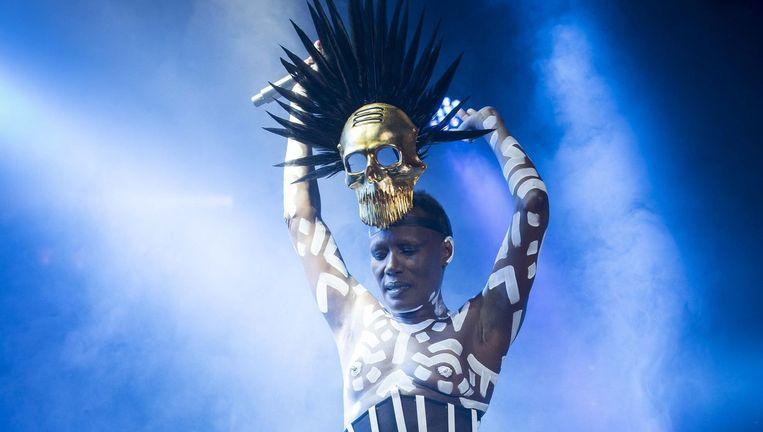 Grace Jones, speelt komende zaterdag op Cactusfestival, samen met dEUS, The Kooks, Balthazar, John Hiat en Goose. Beeld Photo News