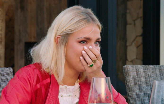 verklapt Julie Van den Steen hoeveel geld er op haar rekening staat?