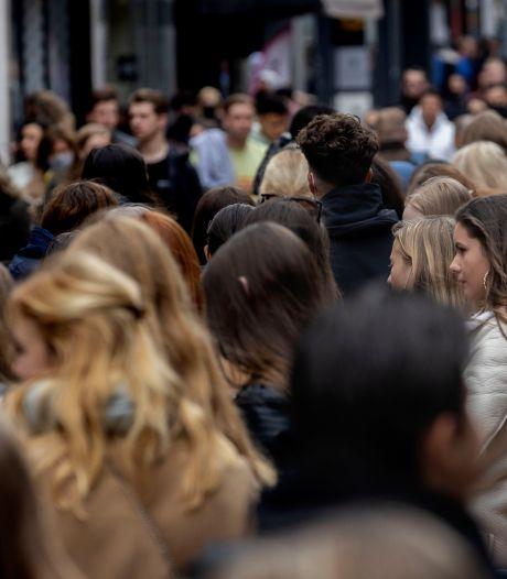 Drukte in Eindhovense binnenstad; gemeente roept op om niet meer naar centrum te komen