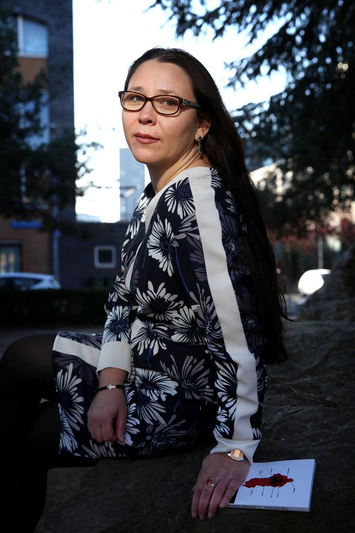 Irma Alkema heeft geen plek waar ze zich verbonden voelt met Albanië. Als ze in Rotterdam is, voelt ze zich een echte Rotterdammer. Dat betekent niet dat ze niet altijd betrokken blijft bij haar geboorteland. Ze schreef het boekje 'Ontdek Albanië'.