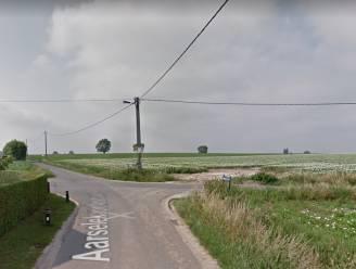 Fietser (44) zwaargewond na botsing op kruispunt tussen Aarsele en Kanegem