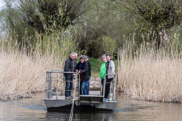 De voetpont is één van de ontdekkingen van de Rafelroutes, een initiatief van José Vleeming.