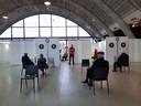 De binnenkant van de vaccinstraat in de Brabanthallen in Den Bosch.