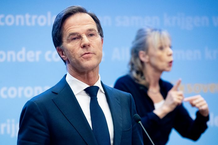 Premier Mark Rutte tijdens de corona persconferentie over de nieuwe coronamaatregelen en verlengde lockdown.