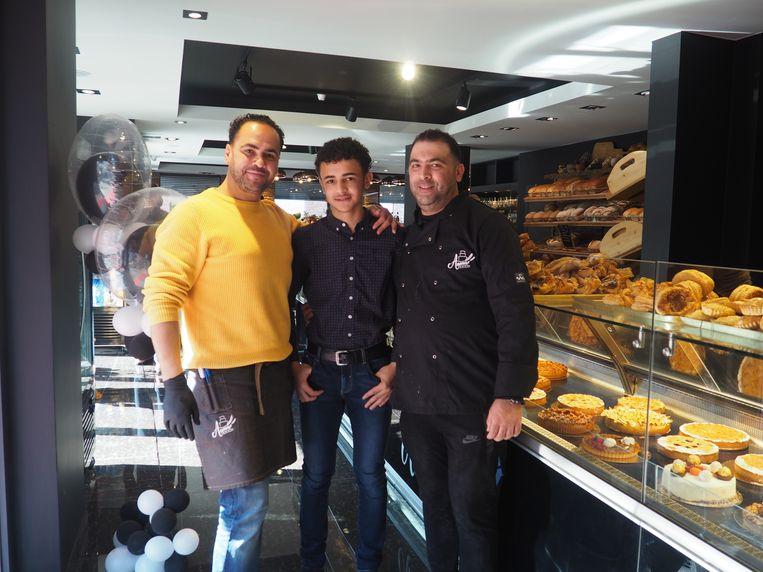 Mohamed, Anouar en Jamal in de nieuwe Patisserie Anouar in de Maurits Sabbestraat in Mechelen.