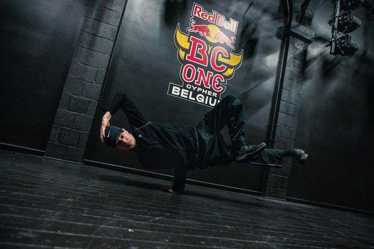 Jona is één van de vier Gentse dansers die doorstootte naar het BK breakdance.