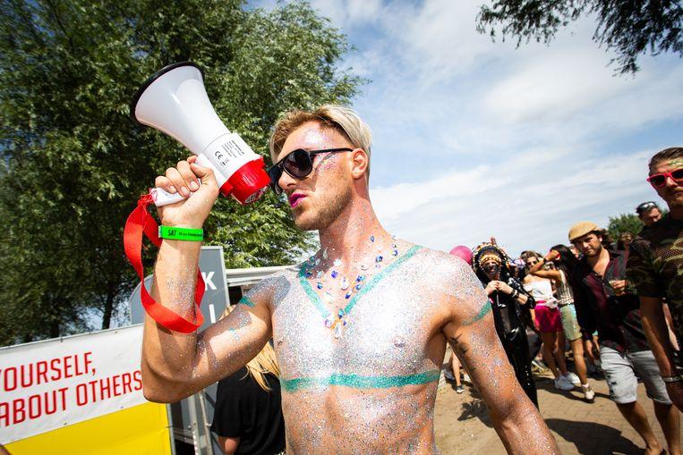 Bezoeker tijdens het Milkshake Festival op het Westergasterrein in Amsterdam.  Beeld Hollandse Hoogte