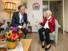 Koning Willem-Alexander feliciteert 106-jarige met verkeerde leeftijd: 'Slordig, deze vergissing'
