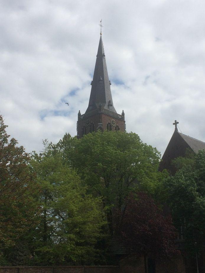 'Plotse' telecomapparatuur aan de Bèrgse kerktoren leidde vorige week tot commotie.
