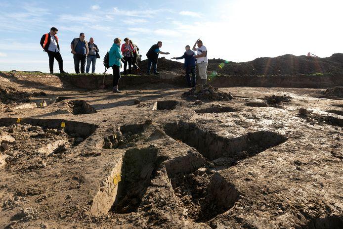 Sporen van het archeologische onderzoek aan de Hamstraat in Velddriel in oktober 2018.