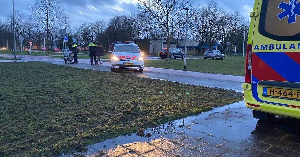 Brommer op oversteekplaats in Hengelo aangereden.