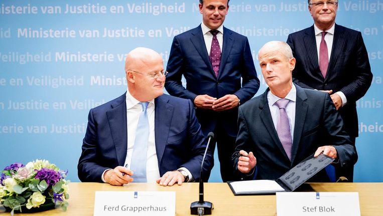 De ministers Ferd Grapperhaus (Justitie en Veiligheid) en Stef Blok (Buitenlandse Zaken). Beeld anp
